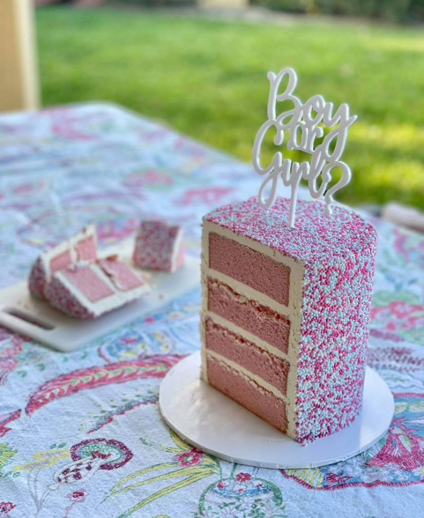 Gender reveal cake - its a girl! by Luisa's Sweet Creations